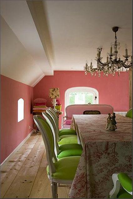 гостиная зеленые стулья