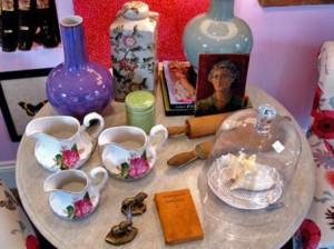 столик с чаем