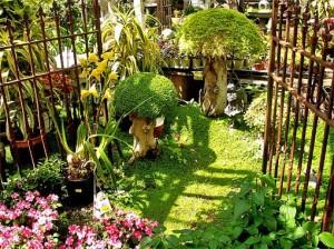 оригинальный цветник газон ландшафтный дизайн