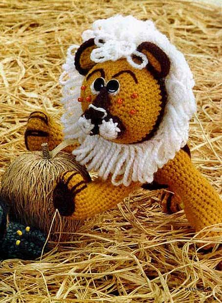 свой цитатник или сообщество!  Вязаная игрушка - ЛЕВ (крючок).  Очаровательный Лев и совсем не страшный!