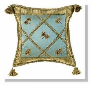 подушка со стрекозами хенд-мейд