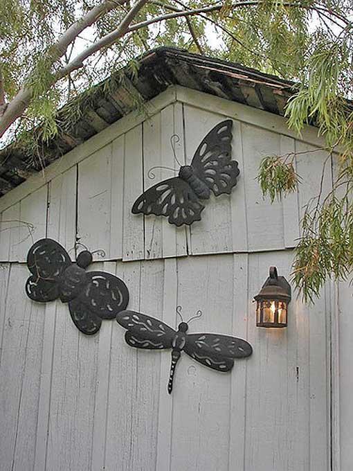 дизайн декорирование стены сарая бабочки стрекозы