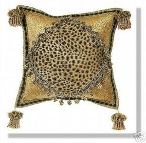 подушка со вставкой ткани хенд-мейд