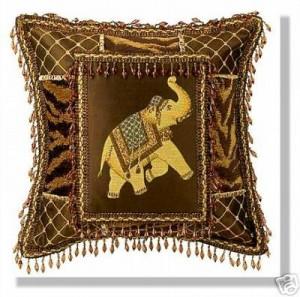 подушка с индийским слоном хенд-мейд