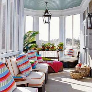 терраса мебель цветные подушки