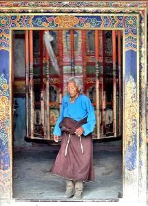 роспись на входе тибет