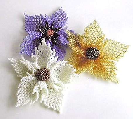 цветы из бисера схемы и описание.
