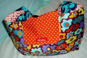 Яркая цветастая сумочка