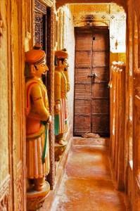 декорирование входа индия