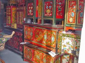 тибетская роспись мебели