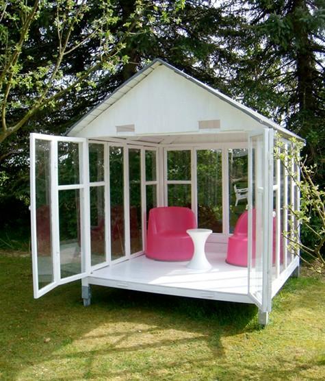 стеклянный домик для дачи