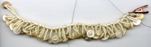 самые легкие схемы по плетению браслетов и кулончиков из бисера.