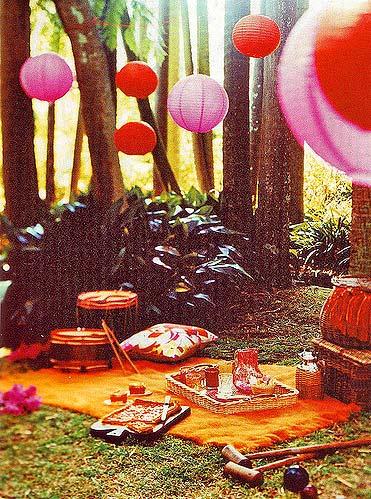 яркий декор - цветные воздушные фонарики