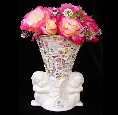 ваза украшенная мозаикой