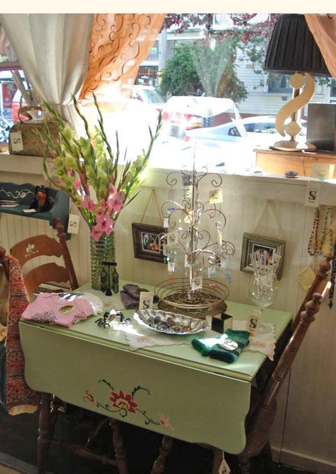 роспись мебели - столик тумба