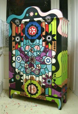 Роспись шкафа для одежды