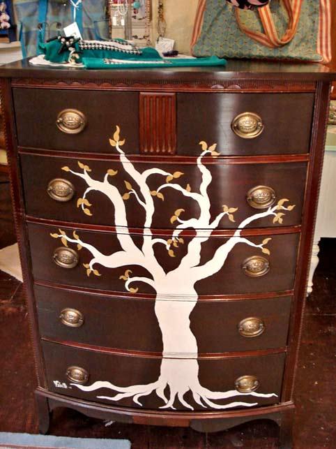 роспись комода - силуэт дерева