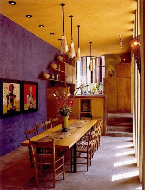 Сочетание лилового и горчичного цвета в интерьере