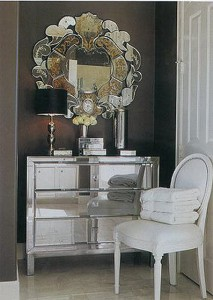 черно-белый интерьер красивое зеркало