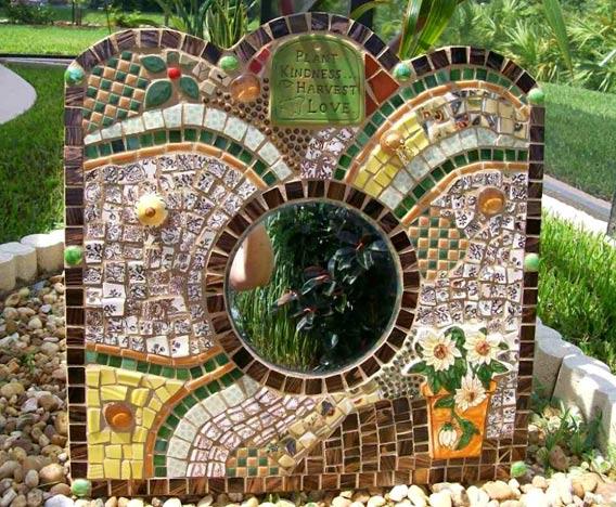 декоративные зеркала и рамки с мозаикой