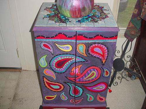 Мебель с росписью - Резная мебель - Столы и стулья - Сундуки - Художники нашей мастерской выполняют всю роспись и