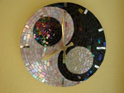 Мозаика из дисков на стене своими руками