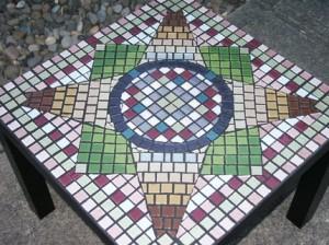 столик отделанный мозаикой своими руками