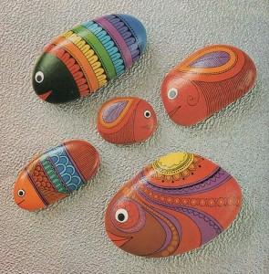 камни с росписью акрилом
