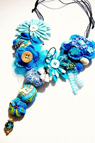 бусы ожерелье из цветов