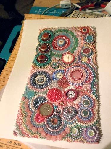 Идеи вышивки бисером и пуговицами