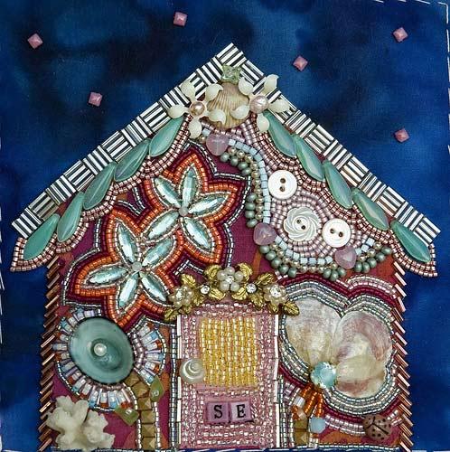 Вышивка бисером и пуговицами - домик