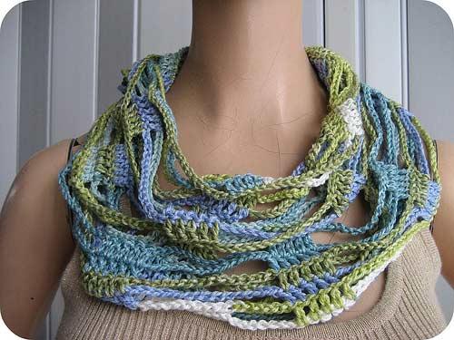 思路:钩针编织的帽子和围巾