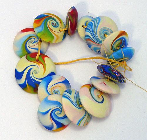браслет из пластики