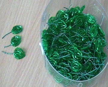 Листочки для цветов из стекляруса