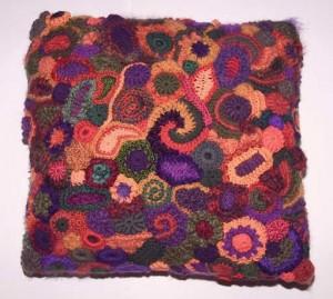 вязание крючком фриформ подушка