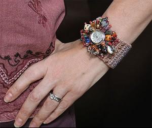 браслет для часов украшенный бисером