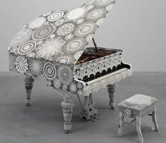 арт вязание вязаный рояль и табурет