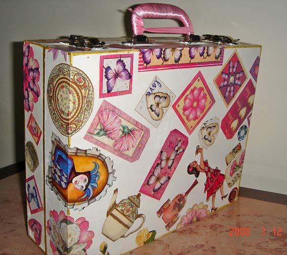 декорирование чемоданчика декупаж.