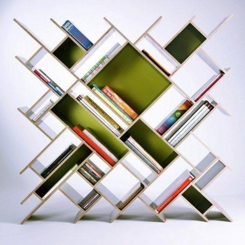 Необычная полка для книг - диагональный узор