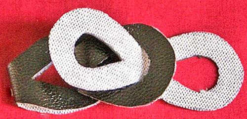 Кожаный браслет из звеньев