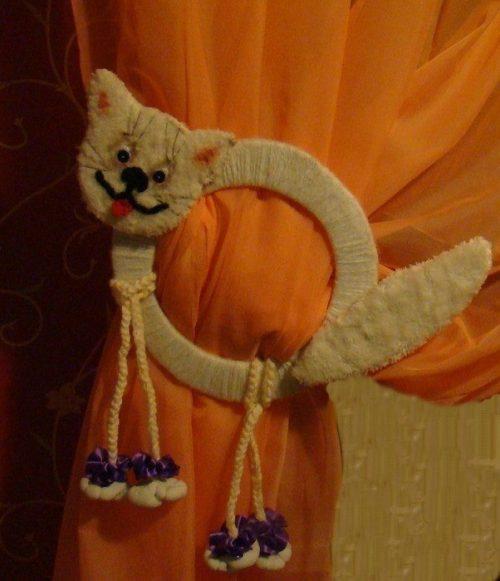 Кошка - игрушка подхват для штор в детскую