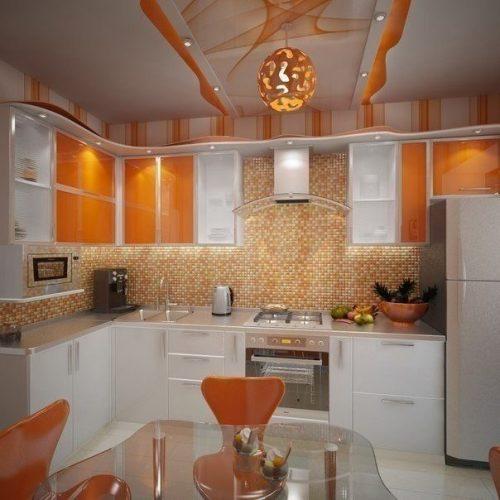 Яркая кухня - фото интерьера