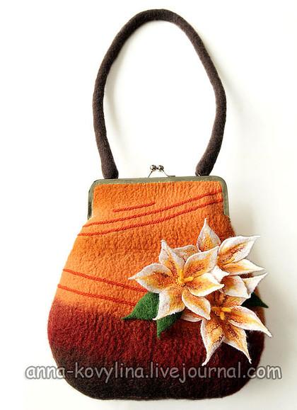 Мокрое валяние из шерсти - сумки и цветы Анны Ковылиной.