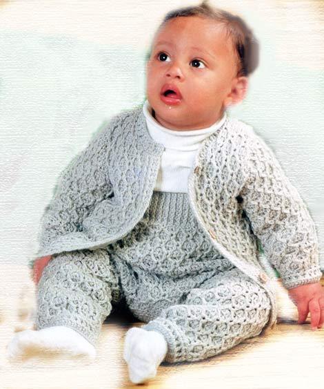 костюмчик для малыша вязаный