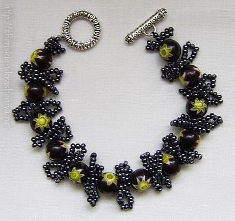 Чёрное ожерелье - украшения из бисера со схемами.