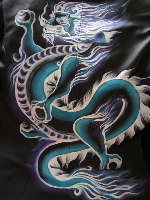 Роспись куртки акрилом - автор Shraddha (18)