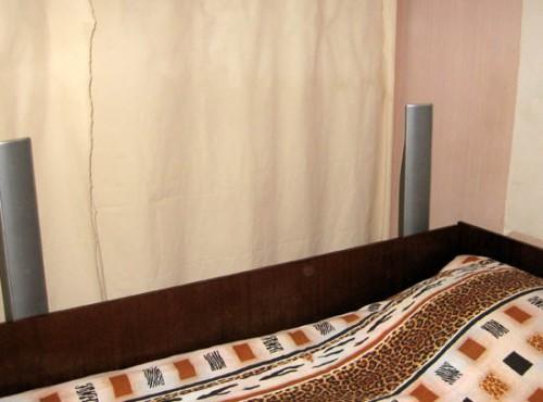 Маленькая спальня в проходной комнате