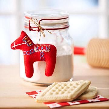 Новогодняя игрушка лошадка из фетра