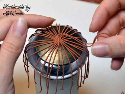 Техника кругового плетения из пластики 5