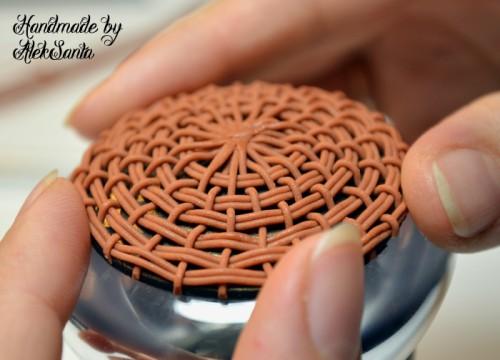Техника кругового плетения из пластики 11